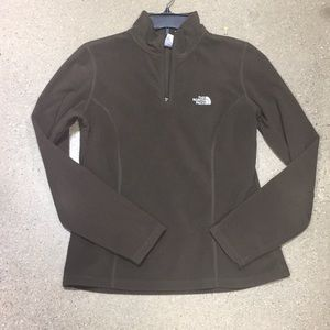 Women's north face sweater size medium